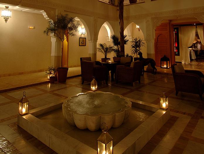 Riad villa blanche voyage avec nouvelles fronti res - Salon de massage poitiers ...