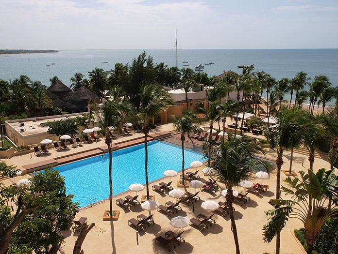H tel palm beach voyage avec nouvelles fronti res for Piscine ambiance brive
