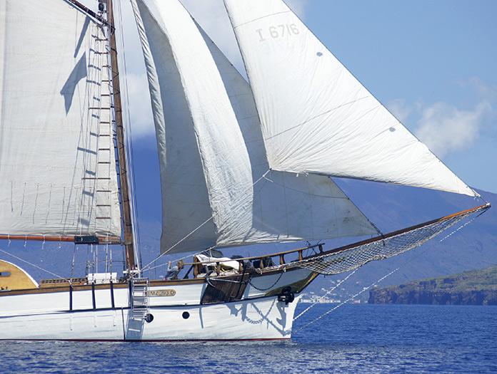 croisiere en voilier dans les iles eoliennes sicile italie sicile avec voyages leclerc. Black Bedroom Furniture Sets. Home Design Ideas