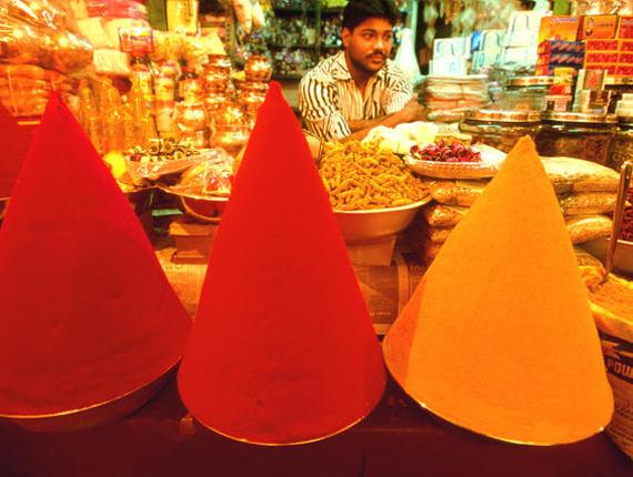 Le marché aux épices dans la ville de Bangalore