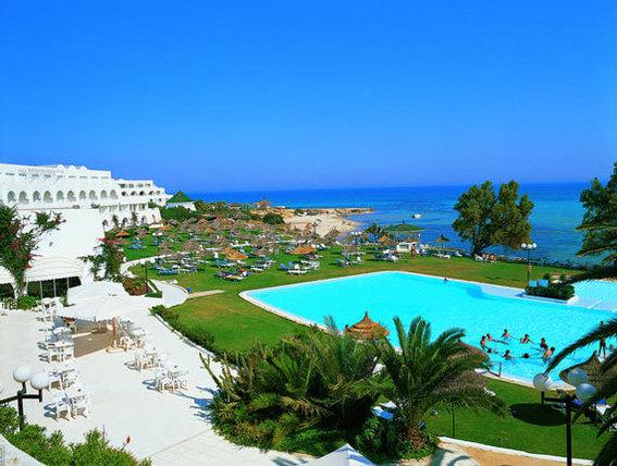 Votre hôtel le Sultan et sa piscine